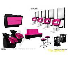 Różowo-czarne meble fryzjerskie