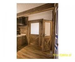 Drzwi ze starego drewna na wymiar