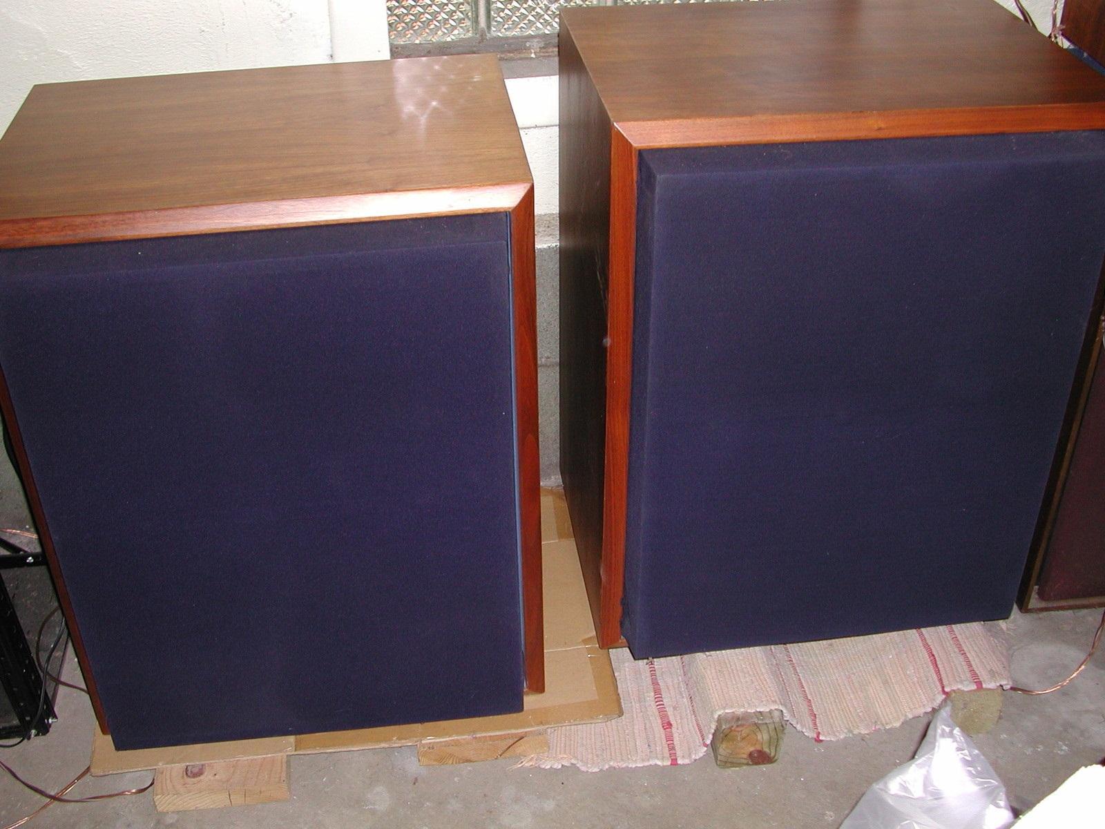 JBL 4333A Studio Monitors-----2100Euro