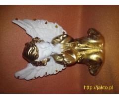 Pozłacany Anioł Stróż z bursztynem