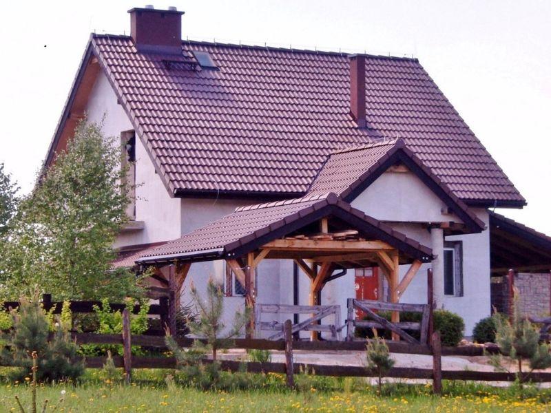 Dom nad jeziorem GIM koło Olsztyna